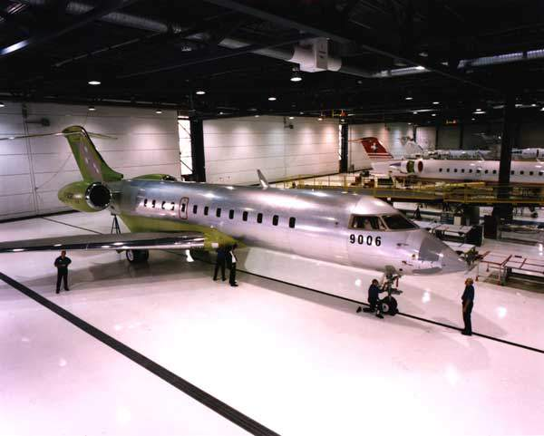 The Global Express has a range of 11,130km with eight passengers and four crew.