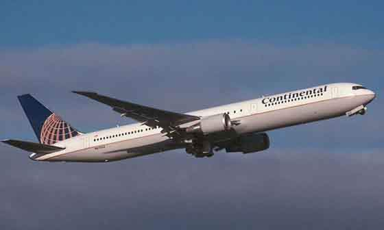 Continental Airlines Boeing 767-424ER.