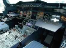 787 Dreamliner vs A380: cockpit comparisons