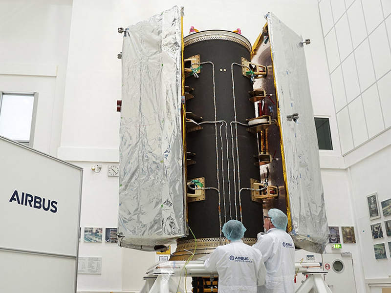 The satellite dispenser of the GRACE-FO Mission. Credit: Airbus.