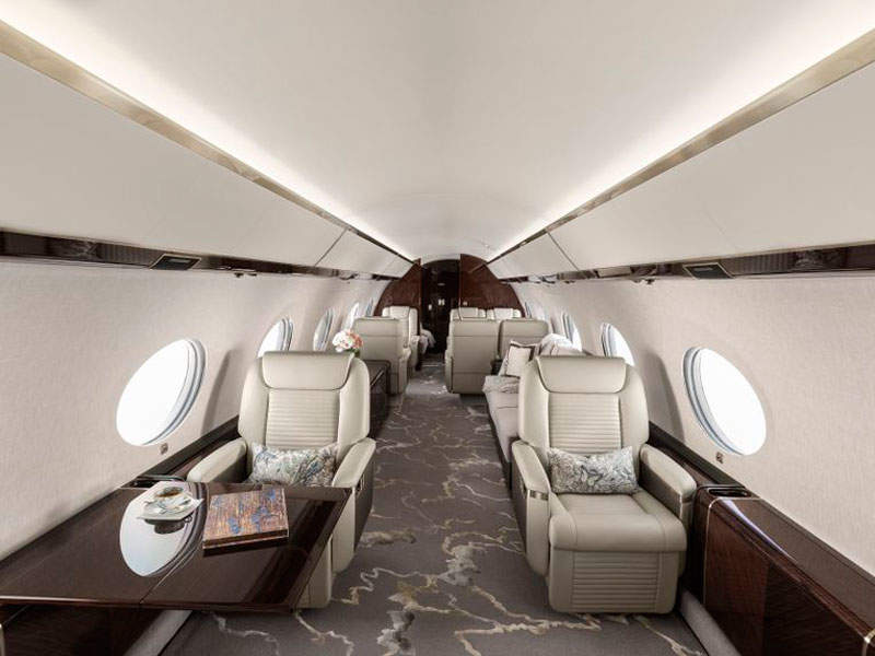 The G650ER has a spacious cabin, aisle spaces and panoramic windows. Credit: Gulfstream Aerospace Corporation.