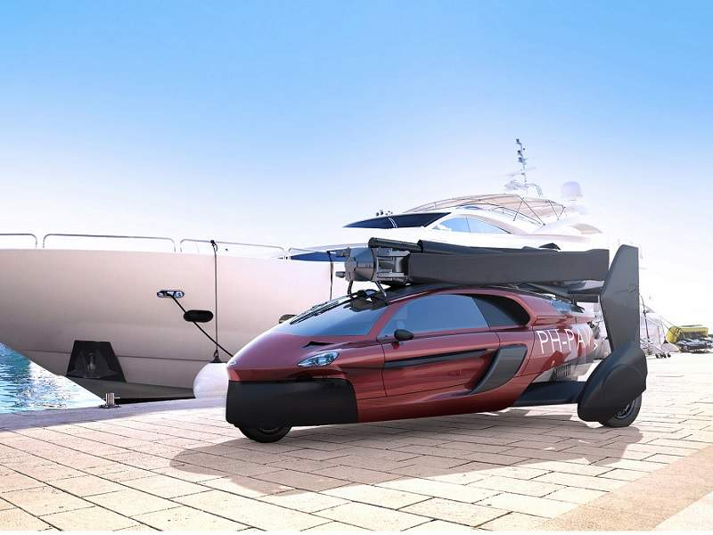 The flying car is designed to fly at an altitude of 3,500m. Credit: PAL-V International.