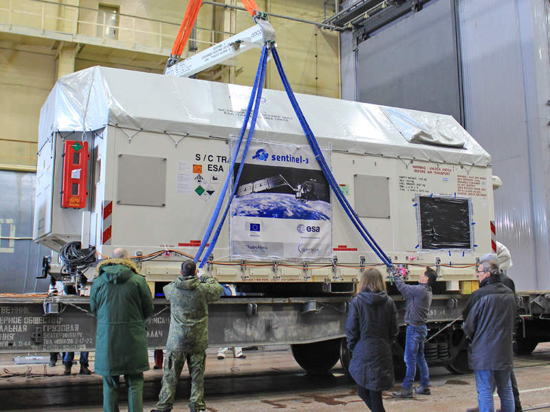 The satellite was transported on an Antonov transport aircraft from France to Russia in March 2018. Credit: ESA.