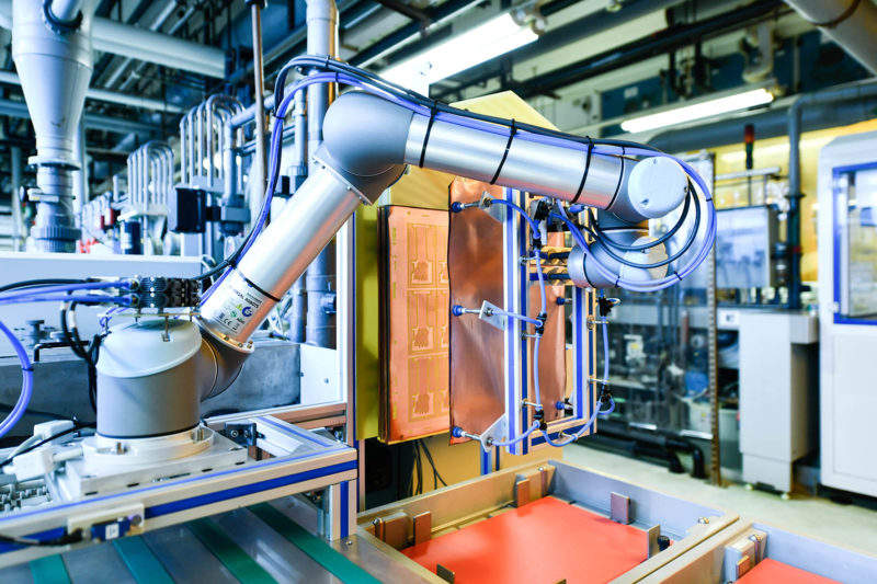 robot-supported manufacturing