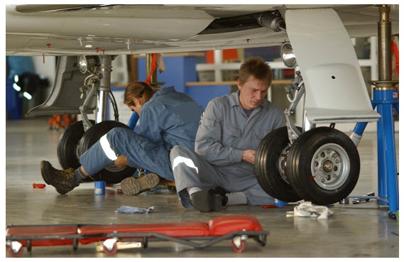 on-site aircraft maintenance training