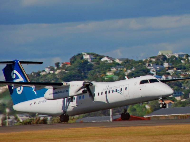 Bombardier Q300