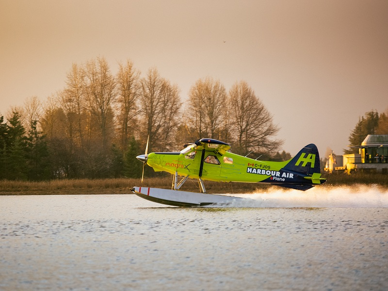 DHC-2 de Havilland Beaver is retrofitted with an all-electric magni500 propulsion system. Credit: magniX.