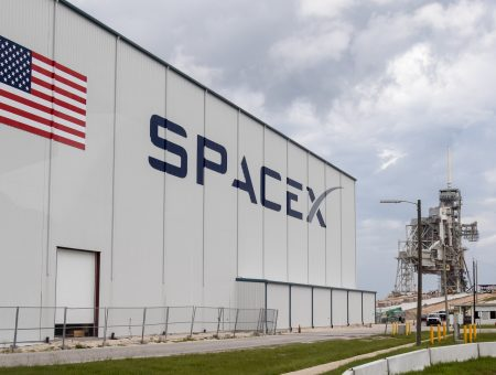 Tracking Layer satellite award a step forward for SpaceX