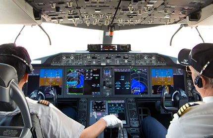 Dreamliner cockpit displays