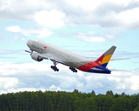 Asiana Airlines 777