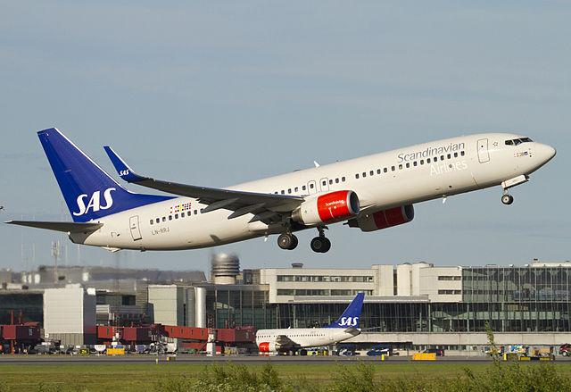 B737-800 Scandinavian