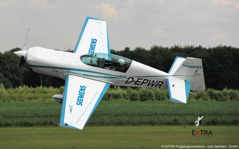 extra 33le aircraft